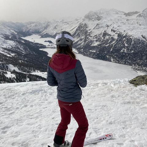 Grey days are great days too! .@fabiekas thank you very much for taking a deep breath for all of us! 📷.@corvatsch_diavolezza_lagalb #3303 #whataview #cantgetenough #mountainlovers #skiing #engadin #makesyouspeechless #happyholidays #walthermoments #winterwonderland #snowadventure #outdoorlovers #somuchspace #engadina #engadinmountains #likeafairytale #butreal