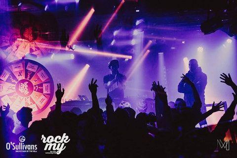 Pas de @rockmyofficial hier soir ( #confinement ), alors on vous a posté les photos de la #rockmy #valentinesparty 💞 . . 👉 Toutes les photos sur notre page #tagyourfriends & #tagyourself . . A bientôt pour la prochaine édition ! #rockparty 🤘 . .  #restezchezvous 😚
