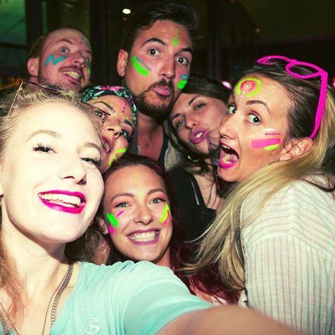 ❌ #Girls Girls Girls ! #motleycrue (and some #boys 😉) #saturdaynight  gonna be #crazy !! . . 🎧dj_moodymaestro #allnightlong #funny #insane #clubbing #party #saturdayparty