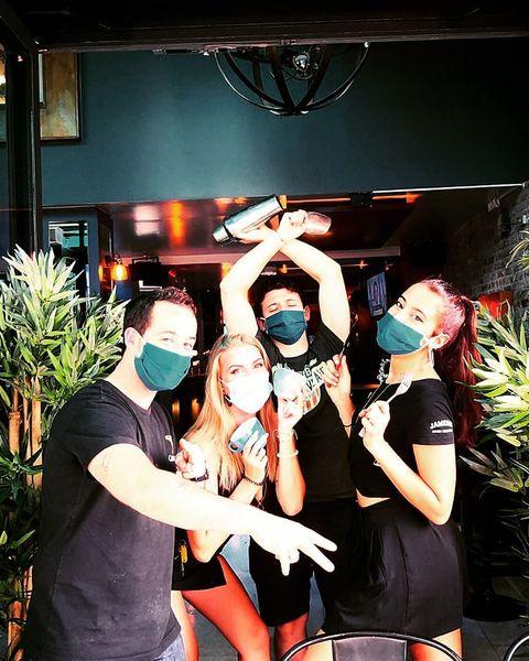 🍾 Summer Breaking News 🍾 ▪️ ▪️  💥 #opening 12pm - 5am!!! #everyday 🍸#frozenmargarita 8€ 👉#alldaylong&#allnightlong 🥗#Food 6pm ▪️ ▪️ 🌺 #flowered #chill #terrace #transat ▪️ ▪️ #pub #restaurant #drinks #restaurantinparis #irishpub #paris #pigalle #music #chill #foodporn #foodlover #happyhour