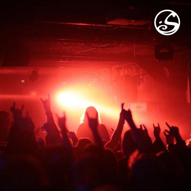 ⚠️ Les #concerts vous manquent ?⚠️⠀ Musique et pintes de bière reviendront.⠀ ⠀ ❌ Tout n'est pas perdu, il y a toujours de la #prog !⠀ Retrouve les reports de #garmonbozia pour les futures saisons #savethedate⠀ ⠀ ⬇️#postponed ⬇️⠀ ▪️ @taakeofficial + @kampfar_official  17.01.2022⠀ ▪️ @cypecore 15.01.2022⠀ ▪️ @harakiriforthesky_official 07.02.2022⠀ ▪️ @spidergawdofficial 09.03.2022⠀ ⠀ #followus pour continuer à recevoir toutes les infos concerts à venir.⠀ ⠀ #irishpub #concert #concertinparis #paris #doitinparis #pigalle #paris18 #backstage #metal #metalconcert #metalmusic #music #metalband #metalheads  📸 Credits @jlparot