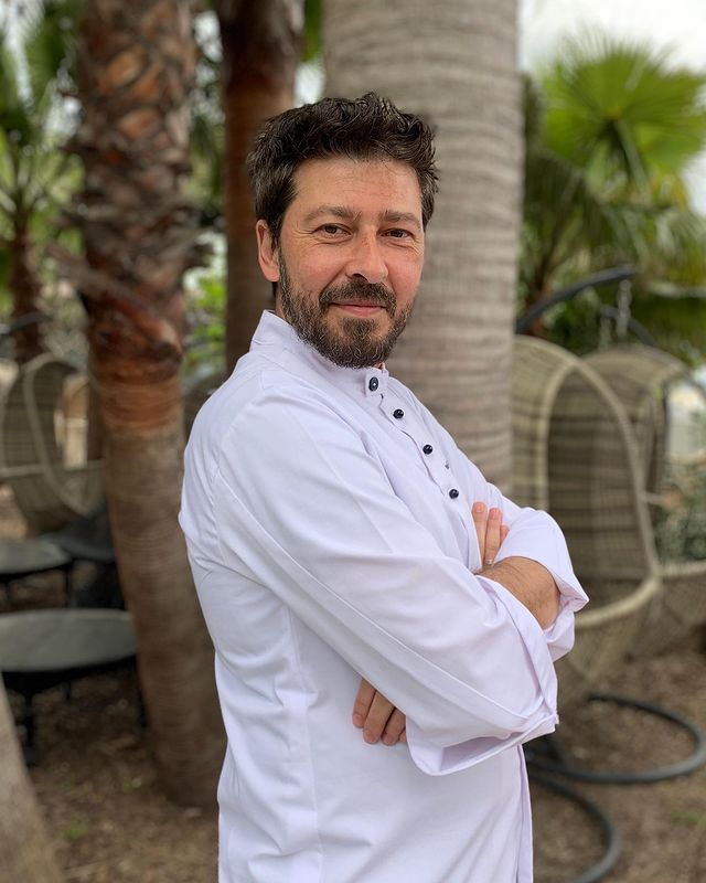 Meet our new Head Chef @dimitrios_chartavelas  For his full bio check out our website 👇 https://villadjunah.com/food-drink/   #villadjunah #headchef #bigopening #cotedazur #cotedazurfrance #openingsoon