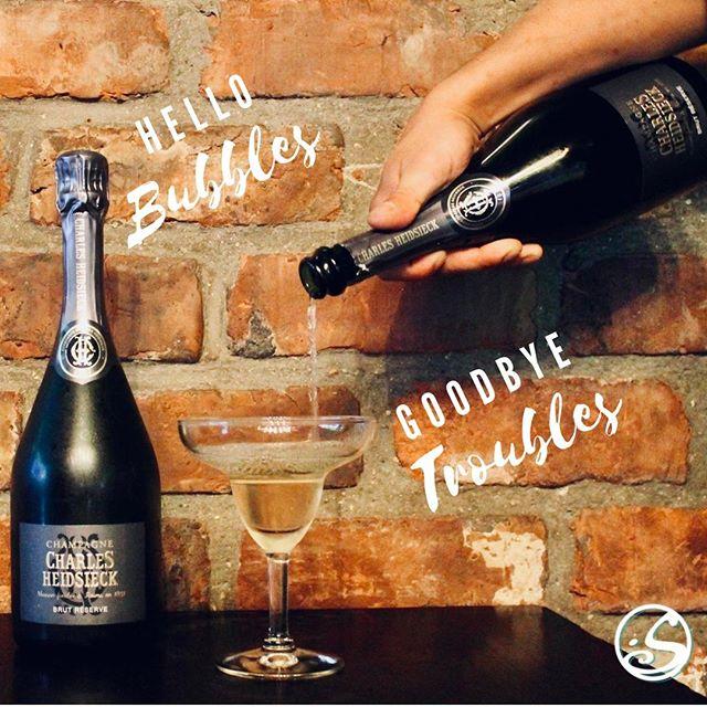 🖐️ HELLO BUBBLES! 🙌  GOODBYE TROUBLES!⠀ ⠀ 👀 Découvrez Le NOUVEAU champagne Charles Heidsieck !⠀ 🥂 12 € le verre, ou 🍾 100 € la bouteille. ⠀ ⠀ - - ⠀ ⠀ 🔍 Discover the NEW Charles Heidsieck Champagne! ⠀ 🥂 12 € by the glass  or 🍾  100 € by the bottle. ⠀ ⠀ #osgb #osullivans #irishpub #bar #champagne #Paris #grandsboulevards #celebrate