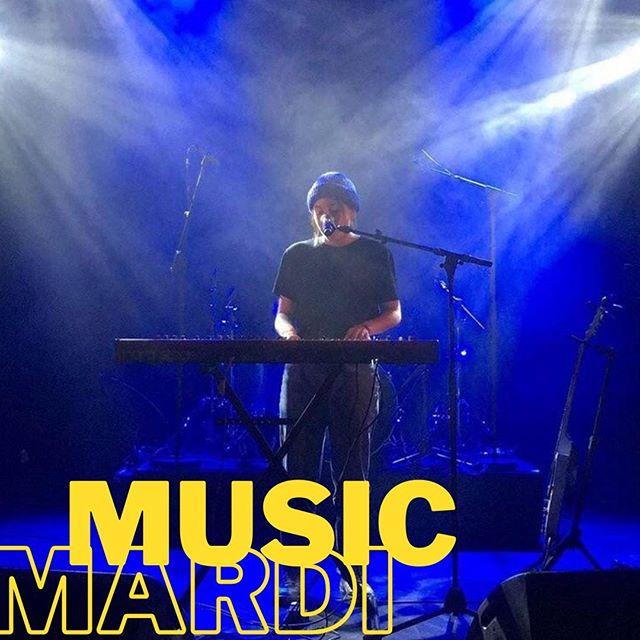🎶 MUSIC MARDI !!! 🎶 - - ⠀ 🎤 Rejoignez-nous sur notre terrasse mardi soir à partir de 18H30 pour écouter les chansons et covers de @darkjoymusic ! ⠀ - - ⠀ 🍻 HAPPY HOUR : 17H - 23H⠀ 🍔 FOOD SERVICE : 19H - 22H ⠀ - - ⠀ ✍️ N'hésitez pas à faire une réservation pour que nous puissions garder une place pour vous !⠀ 🎸 Si vous voulez jouer un instrument ou chanter n'hésitez pas à nous contacter par les coordonnées ce-dessous ! ⠀ 📩 Mail - events.gb@osullivans-pubs.com ⠀ ☎️ Numéro - 07 67 39 98 74⠀ - - ⠀ #livemusic #osgb #osullivans #grandsboulevards #paris #irishbar #bar #pub #happyhour #afterwork #tuesday #accousticguitar