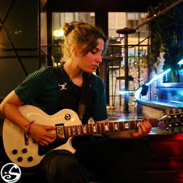 🔇TURN DOWN THE DRAMA ! 🔈 TURN UP THE MUSIC 🎶 ⠀ - - ⠀ 🔷 Commencez cette semaine de rentrée avec MUSIC MARDI! ⠀ 🔶 Live music à partir de 19H30 avec @neaaler & @darkjoymusic ! ⠀ - - ⠀ 🎸 Si vous voulez jouer un instrument ou chanter n'hésitez pas à nous contacter par les coordonnées ce-dessous ! ⠀ 📩 Mail - events.gb@osullivans-pubs.com ⠀ ☎️ Numéro - 07 67 39 98 74⠀ - - ⠀ 🍻 HAPPY HOUR - 17H - 21H ⠀ 🍔 FOOD SERVICE - 18H45 - 22H15 ⠀ 🎼 GOOD MUSIC - ALL NIGHT LONG !⠀ - - ⠀ #osgb #osullivans #live #music #irishpub #bar #restaurant #rentree #paris #sortieparis #grandsboulevards #guitar #singer #pickupguitar #tuesdaytip