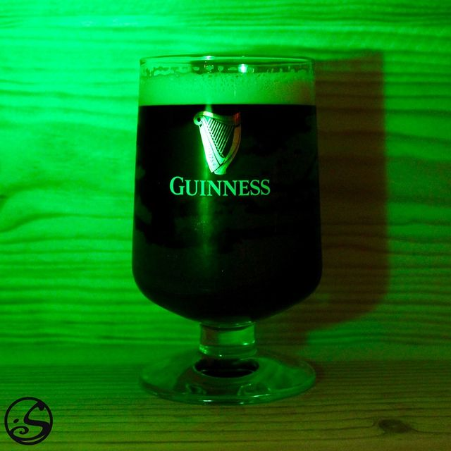 🍀HAPPY SAINT PATRICK'S DAY 🍀 - -  🇮🇪 The only way to celebrate today is with Ireland's finest beer, Guinness! 🍺 O'Sullivans raises a glass to our missed customers and says #sláinte! 🍻 - -  🍀 Saint Patrick's Day kits are available @osullivanspigalle & @osullivanschatelet until 17H30!  - -  🕖 #joinus tonight on our #livestream Facebook event at 19H! Find out tonight the winner of our O'Sullivans contest giveaway! 🎁 While your there listen to some live Irish music to celebrate at home! 🎶 - -  #osgb #osullivans #irish #irishbar #irishpub #livemusic #irishmusic #live #saintpartricksday #stpaddysday #beer #goodtimes #green #goodluck #contest #prize  - -  (Please consume with moderation)